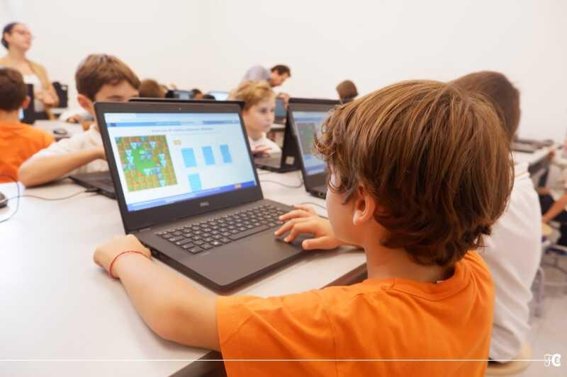 """Coding e pensiero computazionale: la """"scuola-futuro""""."""